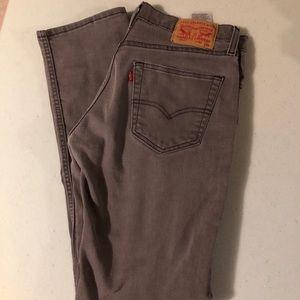Men's gray Levis jeans